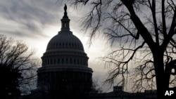 La regulación aprobada en los últimos meses del gobierno de Barack Obama, fue diseñada para dar mayor control a los consumidores sobre como los proveedores comparten su información.