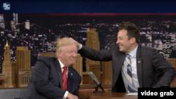 Imagen tomado del video de The Tonight Show de la cadena NBC.