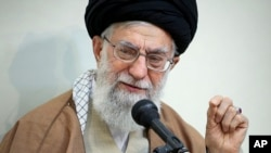 "Pemimpin tertinggi Iran, Ayatollah Ali Khamenei, diberitakan tewas dalam ""laporan palsu"" media-media Iran yang diretas (foto: ilustrasi)."