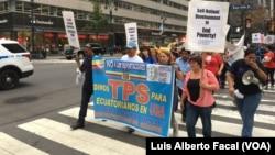 Migrantes recorrieron las calles de Nueva York el domingo, 18 de septiembre de 2016, en reclamo de TPS para los inmigrantes ecuatorianos.
