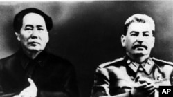 历史照片:访问莫斯科的毛泽东与斯大林在一起。(1950年)