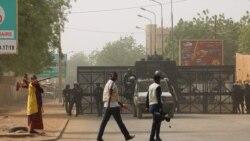 """L'ensemble de leur pays classé """"zone rouge"""": les Nigériens en colère contre Paris"""