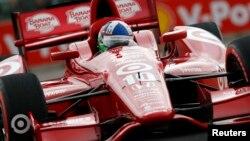 Dario Franchitti desobedecerá a sus médicos que lo prohibieron regresar a las pistas, y correrá las 500 Millas de Indianápolis.