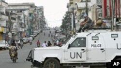Un véhicule des Nations unies à Monrovia, Liberia, 8 november , 2011.