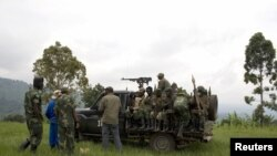 Tentara pemerintah Kongo bersiap meninggalkan markas militer yang terletak antara desa Kachiru dan bukit Muzi (Foto:dok). DK PBB mengecam pemberontakan tentara di negara Republik Kongo (15/6).