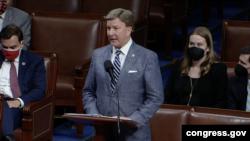 众议院军事委员会共和党领袖罗杰斯在院会辩论中发言(国会现场视频截图2021年9月21日)