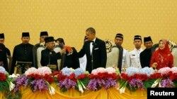 Predsednik Obama i malezijski kralj Abdul Halim na državnoj večeri u Kuala Lumpuru