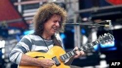 """Kitarristi Pat Metheni në kitarrë solo me albumin e ri """"What's it all about"""""""