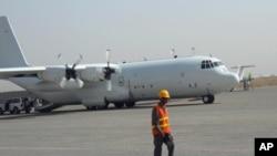 کمک امریکا به بازسازی دومین میدان هوایی بین المللی افغانستان