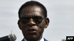 Le président Obiang Nguema lors de son arrivée à l'aéroport Viru Viru, en Guinée équatoriale, le 22 novembre 2017.