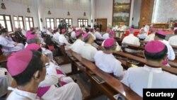 ပုပ္ရဟန္းမင္းၾကီး Francis နဲ ့ခရစ္ယာန္ ဂိုဏ္းခ်ဳပ္မ်ား ဘန္ေကာက္ မွာ အစည္းအေ၀းက်င္းပစဥ္ 22-11-19 (ဓာတ္ပံု-Courtesy)