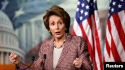 La líder de la minoría en la Cámara de Representantes, Nancy Pelosi asegura junto a sus colegas Luis Gutiérrez y Zoe Lofgren que el presidente Obama tiene toda la autoridad de anunciar órdenes ejecutivas.