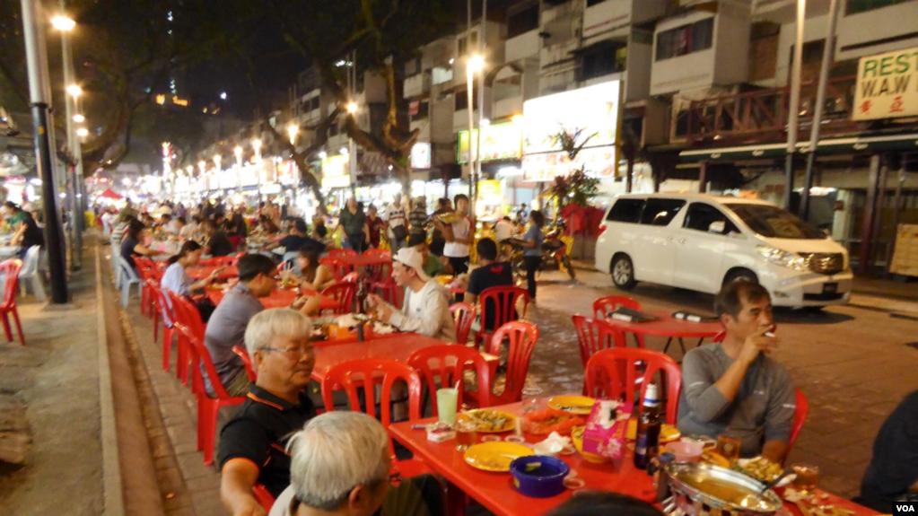 Chợ Đêm - Night Market - Kuala Lumpur. (Hình: Trùng Dương)