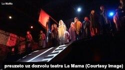 """Kosovski glumci u predstavi """"Trojanske žene"""" (Foto: La Mama)"""