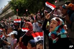 Anak-anak Yaman ikut serta dalam aksi protes menuntut dihentikannya serangan udara kolaisi pimpinan Saudi di Sana'a, Yaman (foto: dok).