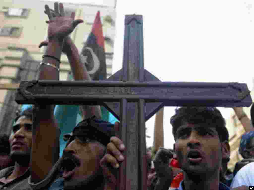 Pakistani Christians protest against the killing of Shahbaz Bhatti in Karachi, March 3, 2011.