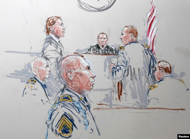 Army Staff Sergeant Robert Bales (3rd L)is seen in a courtroom sketch at Joint Base Lewis-McChord, Washington, Jan. 17, 2013.