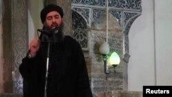 تصویری که از یک سخنرانی ابوبکر البغدادی منتشر شده است. این چندمین بار است که خبر مرگ او منتشر می شود.