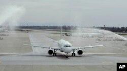 ພາບຕົວຢ່າງເຮືອບິນ Airbus A320 .