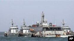 Tàu hải quân Nam Triều Tiên tập trận, hồi tháng 2, gần vùng biển tranh chấp với Bắc Triều Tiên bất chấp lời đe dọa sẽ tấn công của Bình Nhưỡng