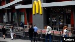 يکی از چهار رستوران تعطيل شده در مسکو -- ۳۰ مردادماه (۲۱ اوت)