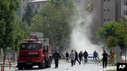 Abajejwe umutekano hafi y'ikigo gikuru c'igipolisi i Gaziantep, haturikiye bombe