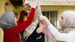 نقد کتاب: انقلاب آرام، بازگشت به حجاب از خاورمیانه تا آمریکا!