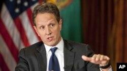 Menteri Keuangan AS Timothy Geithner menegaskan hanya ada satu solusi untuk menghindari jurang fiskal, yaitu meningkatkan pajak warga kaya AS (2/12).