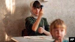 Дети из детдома в поселке Томилино Московской области (архивное фото)