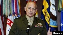 El General John F. Kelly se reunió con altos oficiales de El Salvador.