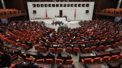 Crise libyenne : intense ballet diplomatique et appel à un cessez-le feu