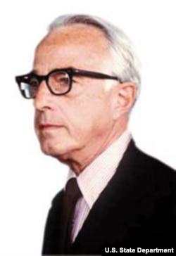 1981年到1985年间的美国驻华大使恒安石