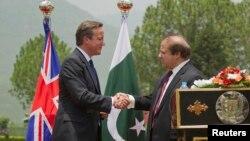 وزیراعظم نواز شریف اپنے برطانوی ہم منصب کیمرون کے ہمراہ