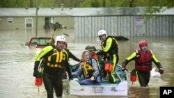 طوفانی بارش اور جھکڑ: ہلاک ہونے والوں کی تعداد 292ہوگئی
