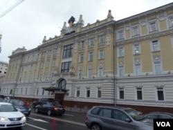 位于莫斯科克里姆林宫附近的罗斯石油公司总部大楼。(美国之音 白桦)