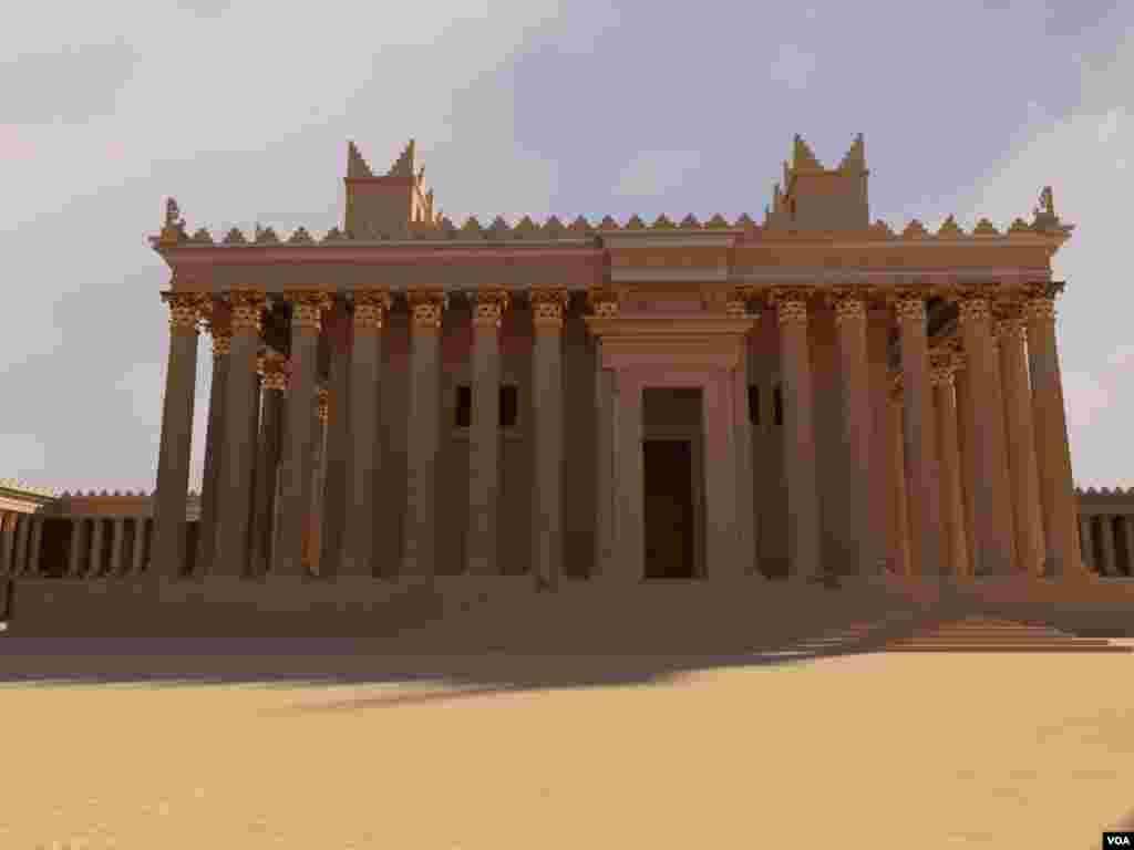 یکی از مدل های سه بعدی معبد بل در پالمیرا که بر اساس عکس های باسل خرطبيل، طراحی شد