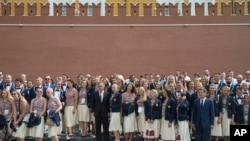 یک سوم از تیم المپیک روسیه به دنبال رسوایی دوپینگ از شرکت در المپیک منع شد.