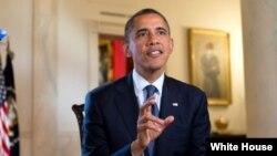 Presiden AS Barack Obama dalam pidato mingguan yang direkam hari Jum'at (5/10), mendesak kongres agar terus bergerak dengan rencananya untuk memperbaiki ekonomi AS.