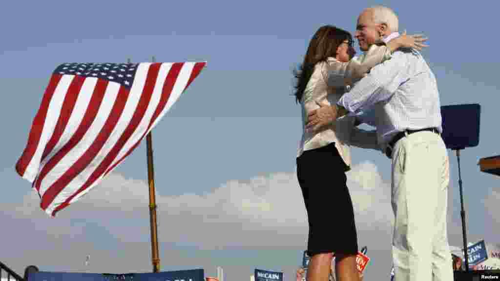 آقای مککین در انتخابات ریاست جمهوری ۲۰۰۸ امریکا در برابر باراک اوباما رقابت کرد و در نهایت شکست خورد