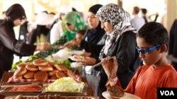 Menu makanan halal disiapkan bagi para keluarga muslim dalam kapal pesiar 'Salaam Cruise' (courtesy photo).