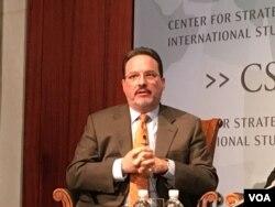 战略与国际研究中心亚洲研究副总裁格林(美国之音钟辰芳拍摄)