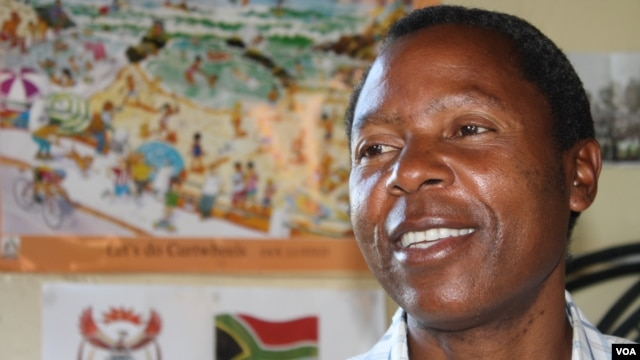 The BI's Peter Nyawhiri: disappointed by the government (D. Taylor/VOA)