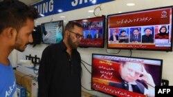 پیمرا کے ہدایات نامے کے مطابق اب صحافی ایک دوسرے کے ٹاک شوز میں بطور مہمان شرکت نہیں کر سکیں گے۔