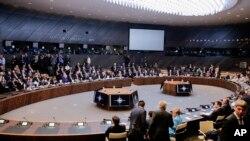 برسلز میں جاری نیٹو سربراہی اجلاس کا ایک منظر