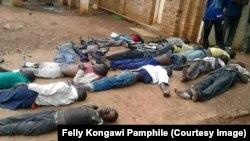 Des prisonniers affamés étendus dans la prison, Kabare, Sud-Kivu, 11 septembre 2017. (Facebook/Felly Kongawi Pamphile).