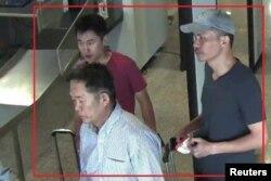 북한 김정남 살해 용의자인 북한인 리재남(왼쪽 앞)과 홍송학(왼쪽 뒤), 리지현의 사진을 말레이시아 경찰이 공개했다.