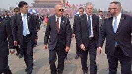 美国国土安全部部长杰·约翰逊(Jeh Johnson)访问北京 (左二)(图片来自 U.S. Department of Homeland Security)
