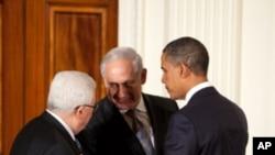 (자료사진) 바락 오바마 미국 대통령의 중재로 회동한 베냐민 네탄야후 이스라엘 총리와 마흐무드 압바스 팔레스타인 자치정부 수반