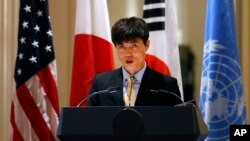 Lời khai của ông Shin Dong-hyuk trước Ủy ban Điều tra LHQ về Bắc Triều Tiên giúp thu thập tài liệu về một hệ thống các nhà tù chính trị tại Bắc Triều Tiên và những hành vi tàn ác bao gồm giết người, giam cầm và tra tấn.