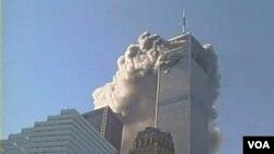 2001 年 9 月 11 日上午 8 點 46 分,世貿中心大樓,第一架飛機撞進了第一座塔樓。